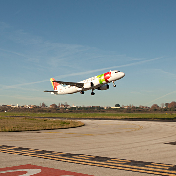 Flights & Destinations - Lisbon Airport